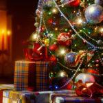 クリスマスプレゼントにオススメな厳選アウトドアグッズ15選!(アウター・パンツ・バッグ・シューズ・手袋)