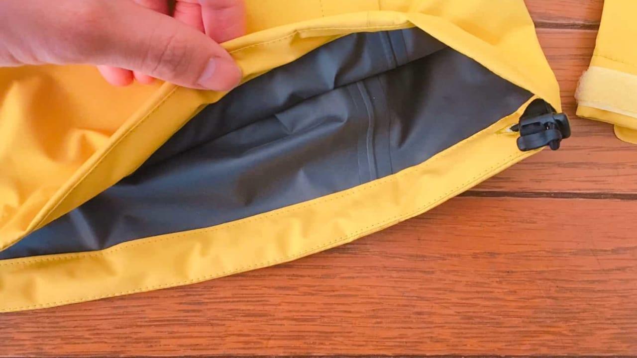 ノースフェイス クラウドジャケット 裾のアジャスターコード