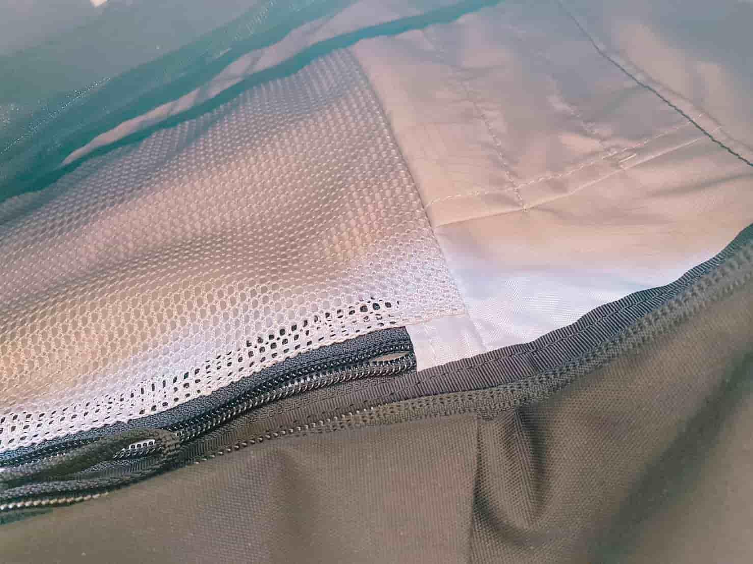グレゴリー スケッチ25 フロントポケットの小物スペース